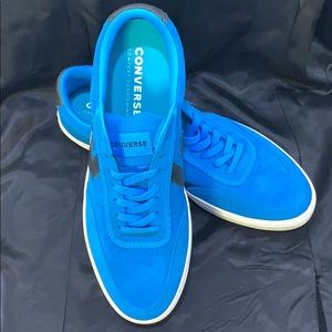NWT Converse Courtland sneakers